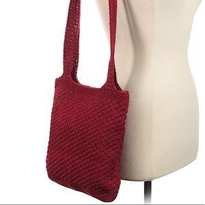 Handbags - 🌻7/$35 Beautiful deep red crochet shoulder bag🌻